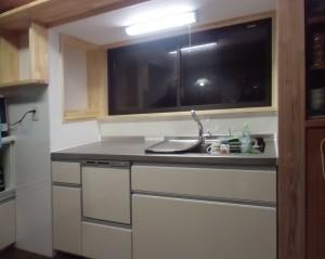 キッチンをコンパクトにしたら使い易くなりました。