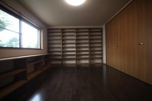 読書好きのH様 壁いっぱいの本棚