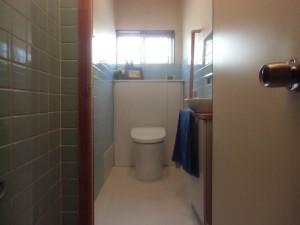 ブルーとホワイトですっきりした感じ。おしゃれで使い易いトイレになりました。